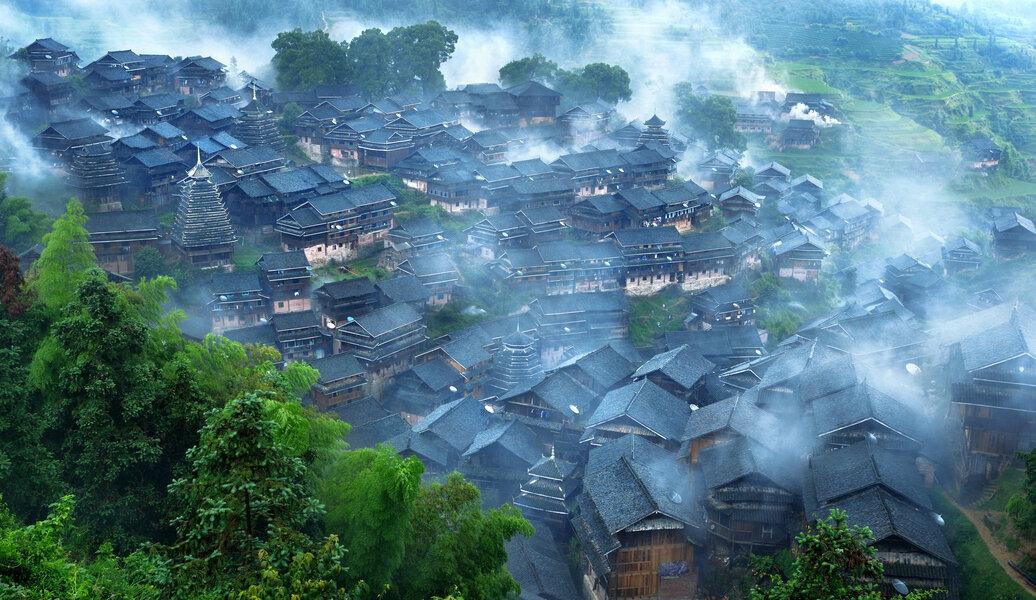柳州烟雨侗寨.JPG